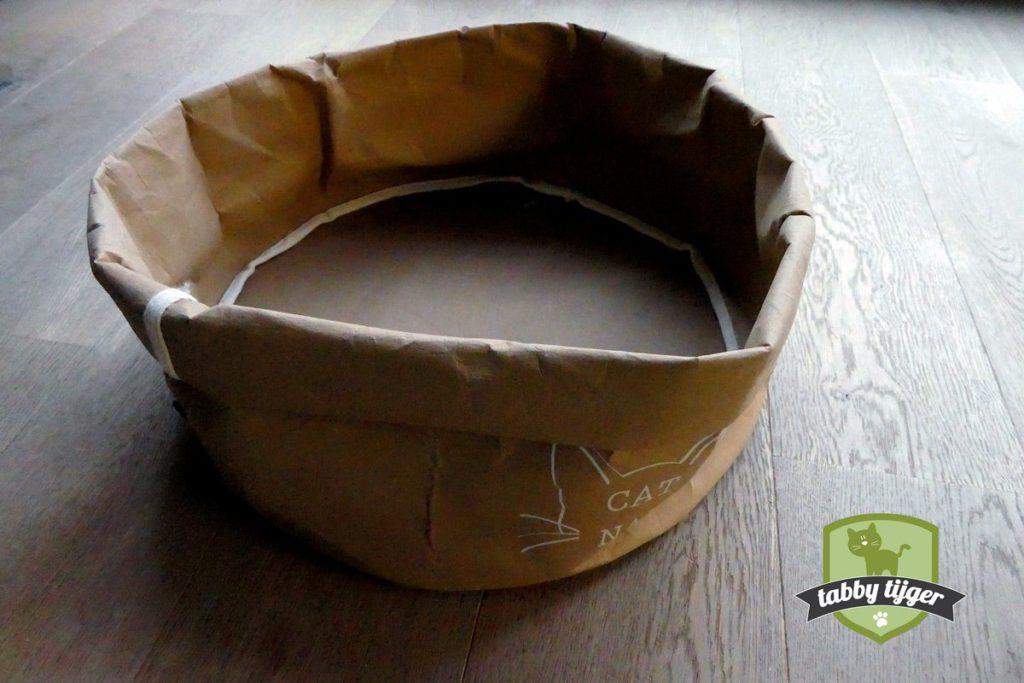 """Cat Nap Paper Cave Bruin """"CAT NAP"""""""